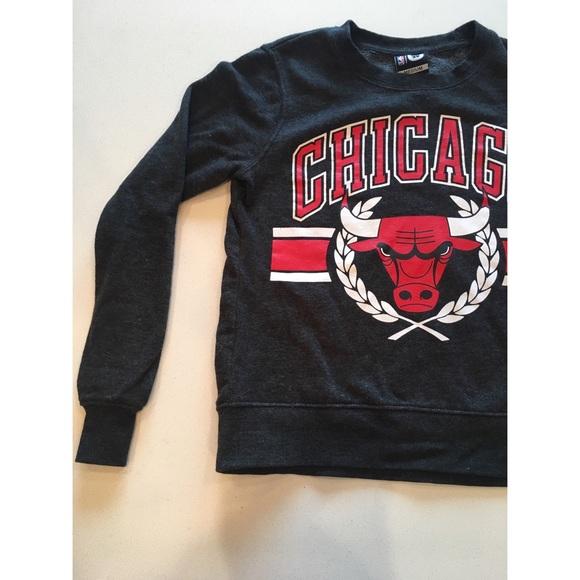 Women s Chicago Bulls sweater. M 5a92260cfcdc31246206bca1 0890fe9f8